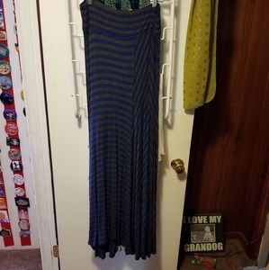 Dresses & Skirts - Ladies maxi skirt